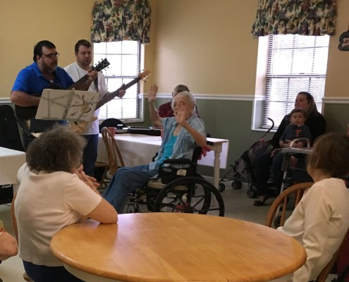 Music Enhances Life at Kiva Assisted Living   Palatka